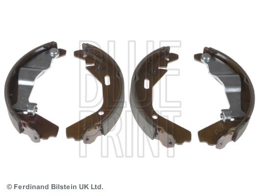 Комплект тормозных колодок MINTEX арт. ADK84135